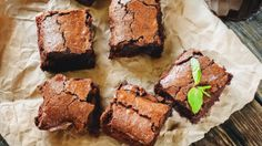21 Day Fix Approved Fudgy Avocado Brownies (1/2 Yellow, 2 Tsp) // 21 Day Fix // // fitness // fitspo // workout // motivation // exercise // Meal Prep // diet // nutrition // Inspiration // fitfood // fitfam // clean eating // recipe // recipes