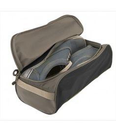 Skoväska -packa smutsiga skor i denna lätta skopåse på resan. www.webshop.resgladh.se