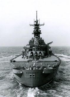 USS Wisconsin (BB 64), stern view underway during sea trials, 29August 1988.