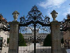 Versailles to Victoria: Chateau of the day: Esterháza Palace Entrance Gates, 3d Max, Melanie Martinez, Versailles, Palace, Castle, Exterior, Mansions, Architecture