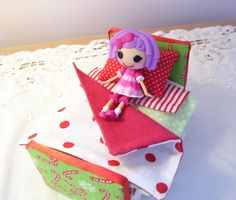 Christmas bed for mini lala