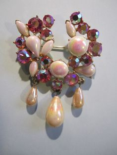 Weiss Style Brooch by CuriousCatVintage on Etsy, $17.00