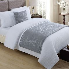 Surround yourself with the luxury of the Tatiana Bed Runner from VCNY. Featuring a beautiful geometric jacquard pattern for an elegant and sophisticated look, this bed runner completes any bedroom set. Bedding Master Bedroom, Dream Bedroom, Bedroom Decor, Bed Throws, Throw Pillows, Bed Cover Design, Silver Bedroom, Stylish Beds, Bed Runner