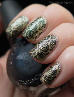 ProcratiNails: 12 Days of Christmas Nail Art: Christmas Ornament Stamping