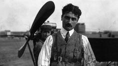 1910 - Roland Garros (HEC 1908), pioneer of aviation