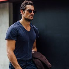 UHQ (Street Style) - David Gandy at London Collections: Men Day 3 📷 by joincomb David Gandy Style, David James Gandy, Famous Male Models, Androgynous Models, Italian Fashion Designers, Swagg, Role Models, Mens Fashion, Ootd