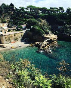 Baia delle Rocce verdi a Posillipo - #Napoli