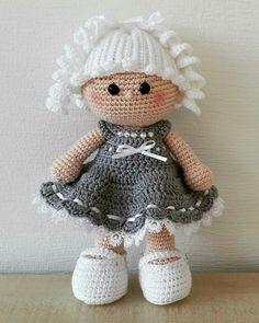 Free Amigurumi Crochet Doll Pattern and Design ideas - Page 8 of 37 - Martha Rodríguez Portocarrero - DiyForYou Crochet Doll Pattern, Crochet Toys Patterns, Crochet Patterns Amigurumi, Amigurumi Doll, Crochet Doll Clothes, Knitted Dolls, Crochet Dolls, Crochet Mouse, Crochet For Kids