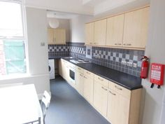 G 4 bed, whole house, 4 bed, £1213 , bit dump, 26/12/14 earlsfield road