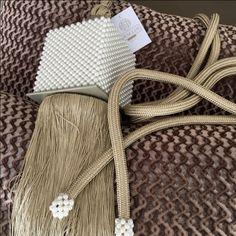 MINI | As mini pérolas fazem deste pingente uma jóia. Imagine suas cortinas com ele! #cortinas #pingentes #decoracao