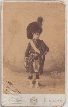 1890 F. BOUDOIR BAMBINO CON COSTUME SCOZZESE BY MONTABONE FIRENZE- 2541