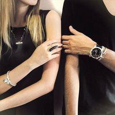 Silver shades bright up the season. #UNOde50  Los tonos plata iluminan la temporada. #UNOde50