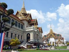 Thailandia, i caraibi dell'est. http://www.iviaggididabi.net/estate___.html Acque cristalline, sole, spiaggie e tanto divertimento. Tradizioni e paesaggi vi stupiranno in quello che è definito uno dei paradisi terrestri del globo.  Volo + soggiorno a partire da 490 €, con possibilità di aggiungere tour. Partenze da luglio ad settembre. Info e prenotazioni: iviaggididabi@live.it 333.2697796/339.5342193