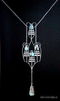 Pendant,, Design: Koloman Moser, 1905 silber, Mondstein, Opal