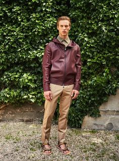See the complete Berluti Spring 2017 Menswear collection.