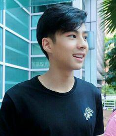 Bank Thiti, Ulzzang Fashion, Ulzzang Style, Korean Ulzzang, Beautiful Toes, Celebs, Celebrities, Cute Boys, My Eyes