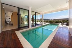 Discover many photos of villa Mercure to Dalmatia (indoor and outdoor) available for rent for an unforgettable holiday with Villanovo, expert in villa rentals. Wedding Dress Preservation, Luxury Villa Rentals, Rental Property, Luxury Travel, Swimming Pools, Around The Worlds, Europe, Indoor, Vacation