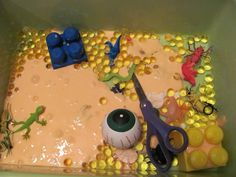The Chocolate Muffin Tree: Halloween Slime Exploration Slime Containers, Sensory Bins, Sensory Play, Sensory Table, Slime No Glue, Chocolate Muffins, Pumpkin Colors, Water Beads, Slime Recipe