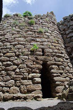 """Nuraghe Arrubiu - Orroli (CA)  La torre centrale """"A"""""""