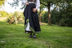 Vestfoldbunad Tranum Røer m/sølv, skjorte, veske og underskjørt | FINN.no Harem Pants, Fashion, Moda, Harem Trousers, La Mode, Harlem Pants, Fasion, Fashion Models, Trendy Fashion