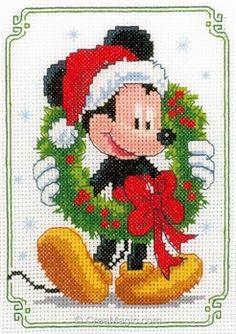 Le noël de mickey disney broderie modele point de croix - Vervaco Xmas Cross Stitch, Cross Stitch Christmas Ornaments, Cross Stitch Art, Christmas Embroidery, Christmas Cross, Cross Stitch Designs, Cross Stitching, Cross Stitch Embroidery, Disney Cross Stitch Patterns