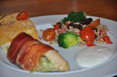 Miss Mette: Fyldt kylling m. pesto og mozeralla med perlebygsalat