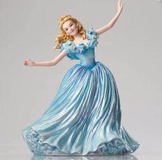 Disney Showcase Couture De Force - Cinderella Live Action Figurine