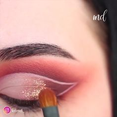 cut crease videos This glam cut crease is truly GLAM! By: krimd_ Makeup Eye Looks, Eye Makeup Tips, Glam Makeup, Makeup Goals, Skin Makeup, Makeup Inspo, Beauty Makeup, Makeup Products, Maquillage Cut Crease