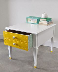 Poppytalk: Before and After: Vintage Side Table with Dipped Tips