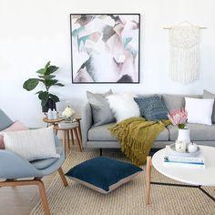 35 Scandinavian Living Room Design for Best Home Decoration Living Room Paint, My Living Room, Home And Living, Living Room Decor, Palette, Classy Living Room, Interior Styling, Interior Design, Scandinavian Living