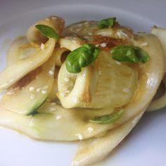 Aprende a preparar ensalada de pepino japonesa con esta rica y fácil receta.  En RecetasGratis.net os enseñamos esta receta de ensalada de pepino japonesa, ideal par...
