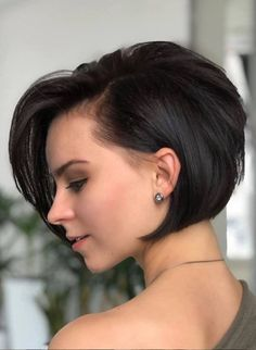 Best Ever Short Haircuts for Women to Show Off in Year 2020 Short Bob Hairstyles Haircuts Short Show Women Year Bob Hairstyles For Fine Hair, Short Hairstyles For Women, Hairstyles Haircuts, Short Hair Cuts For Women Trendy, Pixie Haircuts For Girls, Short Hair For Girls, Pixie Haircut Fine Hair, Short Bob Cuts, Edgy Short Hair