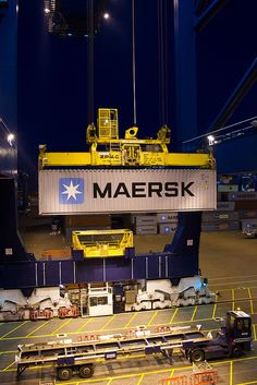 First Daily Maersk container arriving in Felixstowe 17 Nov 2011 (4) by Maersk Line, via Flickr