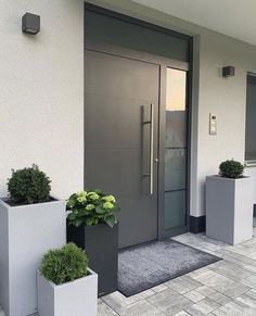 How to upgrade the entrance of your house and increase the attractiveness of the curb The . How to upgrade the entrance of your house and increase the attractiveness of the curb Das ., You are in the right place a Modern Entrance Door, Home Entrance Decor, House Entrance, Entrance Doors, Front Doors, Home Interior Design, Exterior Design, Interior Plants, Kitchen Interior