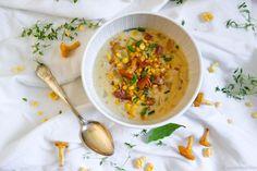 Loppukesän kanttarelli-maissi-chowder