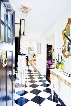 Tour a Design Editor's Own Bold Digs