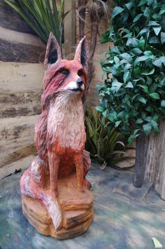Fox Chainsawcarving made by Banzai-john Vos kettingzaagkunst