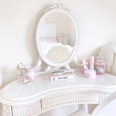 September Photo Diary | Pretty Parisian Style Dressing Table