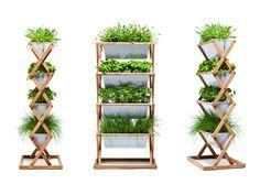 urbanature Vertical Garden - Urbanature hat nachgedacht und ein neues Produkt entwickelt – den Vertical Garden 1,20 m. Dieses Pflanzgestell funktioniert im Innenraum genau so gut wie im Außenbereich. Und ist die Balkonsaison vorbei, klappt man den Scherenbeschlag zusammen und trägt ihn in den Keller, sollte man keinen Platz in Küche oder Wohnzimmer haben. Die Pflanzkästen sind robust und leicht. Natürlich auch geeignet für Zierpflanzen, werden Sie aktiv.
