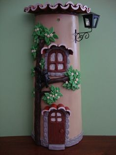 telhas decorada com biscuit - Pesquisa Google Diy And Crafts, Crafts For Kids, Arts And Crafts, Fairy Pots, Mushroom House, Art N Craft, Biscuit, Summer Diy, Clay Art