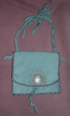 Hand made bag rfom leatther with pyrografy