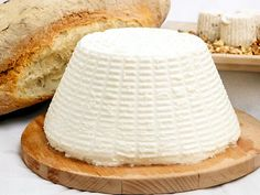 Rebecca shares her favorite recipe Ricotta Recipe easy steps you can do it at home Enjoy this recipe . Queso Ricotta, Cooking Tips, Cooking Recipes, Zucchini Pancakes, Nigella Sativa, Antipasto Platter, Homemade Cheese, Meals In A Jar, How To Make Cheese