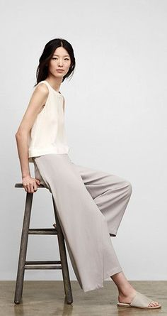0036dcca39 14 Minimalist Outfits For Summer- Minimal Fashion Style Tips Coulottes