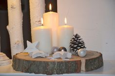 Christmas wreath on a tree slice, Christmas decoration / advent wreath on a tr … Christmas Gift Decorations, Christmas Wreaths, Christmas Crafts, Winter Christmas, Christmas Time, Holiday, Advent Wreath, Deco Table, Xmas Tree