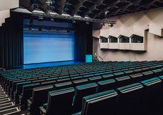 Original Sokos Hotel Presidentti, Helsinki. Auditorio. 370 paikkaa, moderni tekniikka. Valoilla muunnamme tilan tilaisuuteesi / brändiisi sopivaksi.