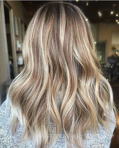 Free light Blonde. Color by @hairbyashleywhitney #hair #hairenvy #hairstyles #haircolor #blonde #balayage #highlights #newandnow #inspiration #maneinterest