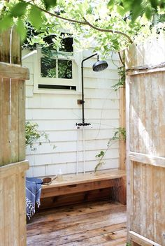 outdoor shower, montauk house (R+W)