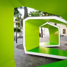 Green color used in architecture.