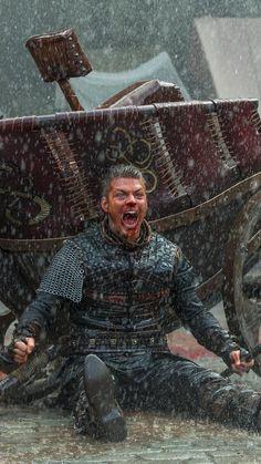 """Alex Høgh Andersen stars as Ivar the Boneless in 'The Vikings"""" (History Channel - Vikings Show, Vikings Tv Series, Bracelet Viking, Viking Jewelry, Ivar Le Désossé, Ivar Vikings, Viking Pictures, Viking Wallpaper, Ragnar Lothbrok Vikings"""