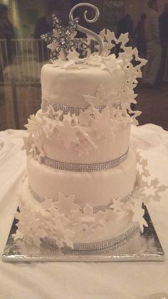 Winter Wonderland Snowflake Wedding cake